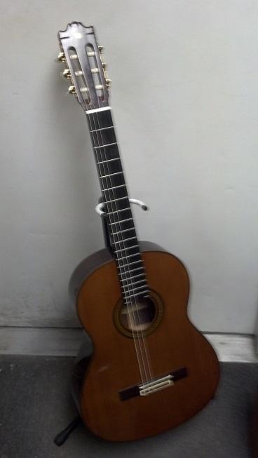 yamaha g240 classical guitar refurb the unbroken string. Black Bedroom Furniture Sets. Home Design Ideas